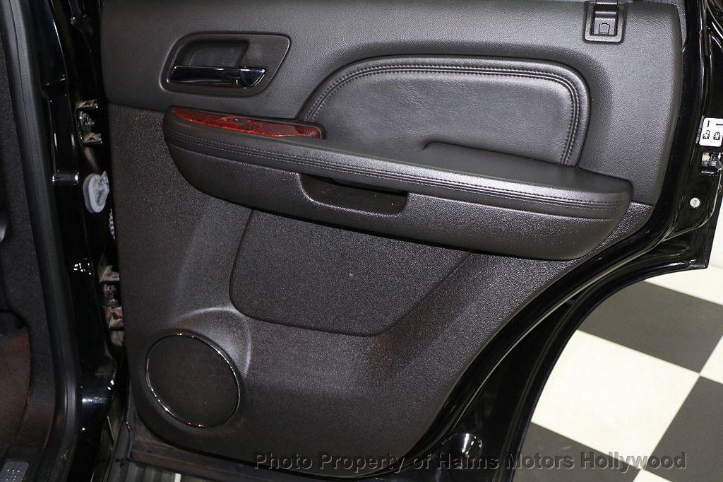 2013 Cadillac Escalade AWD 4dr Luxury - 17789447 - 12
