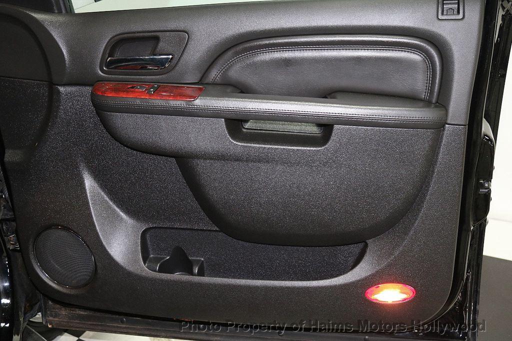 2013 Cadillac Escalade AWD 4dr Luxury - 17789447 - 13