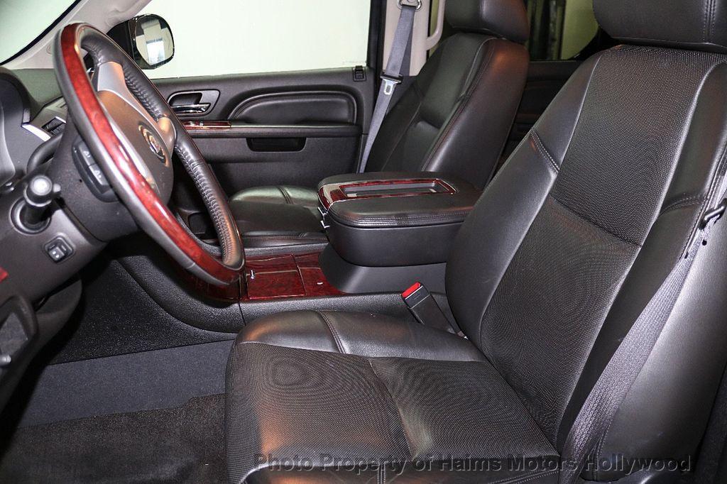 2013 Cadillac Escalade AWD 4dr Luxury - 17789447 - 20