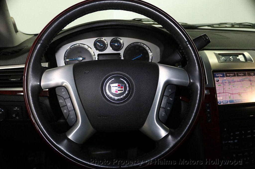 2013 Cadillac Escalade AWD 4dr Luxury - 17789447 - 29