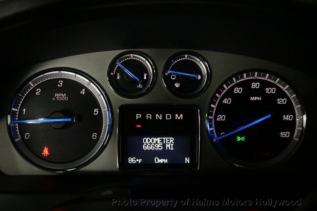 2013 Cadillac Escalade AWD 4dr Luxury - 17789447 - 30