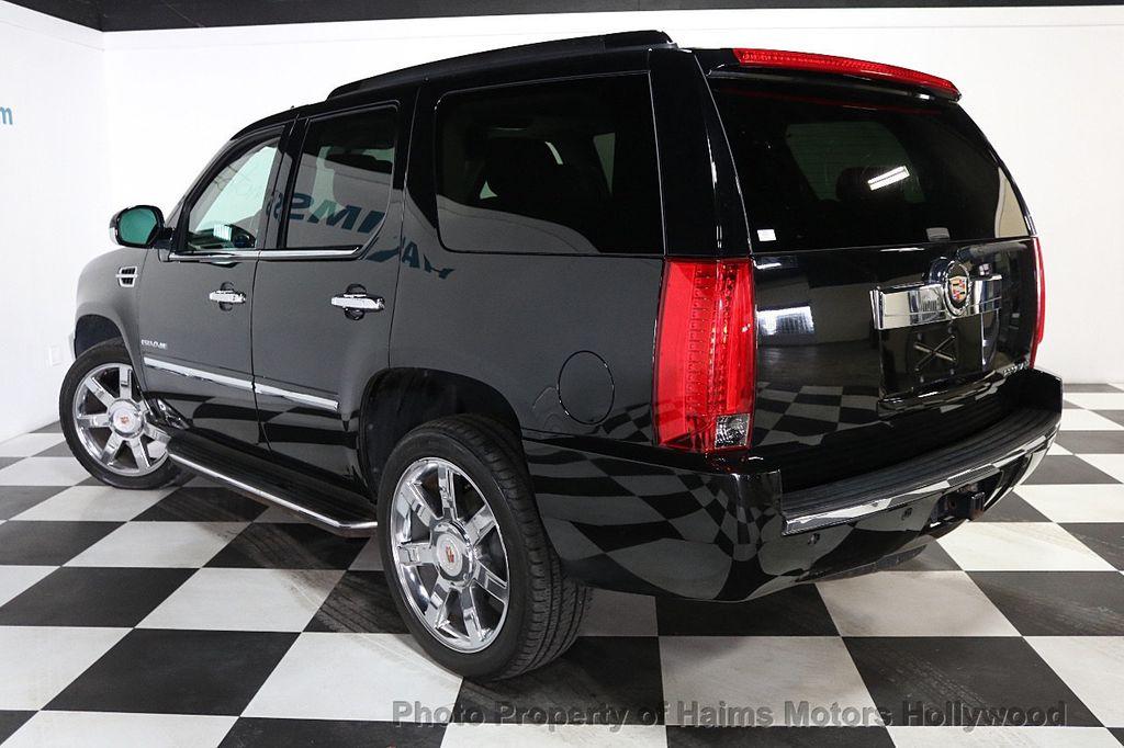 2013 Cadillac Escalade AWD 4dr Luxury - 17789447 - 4
