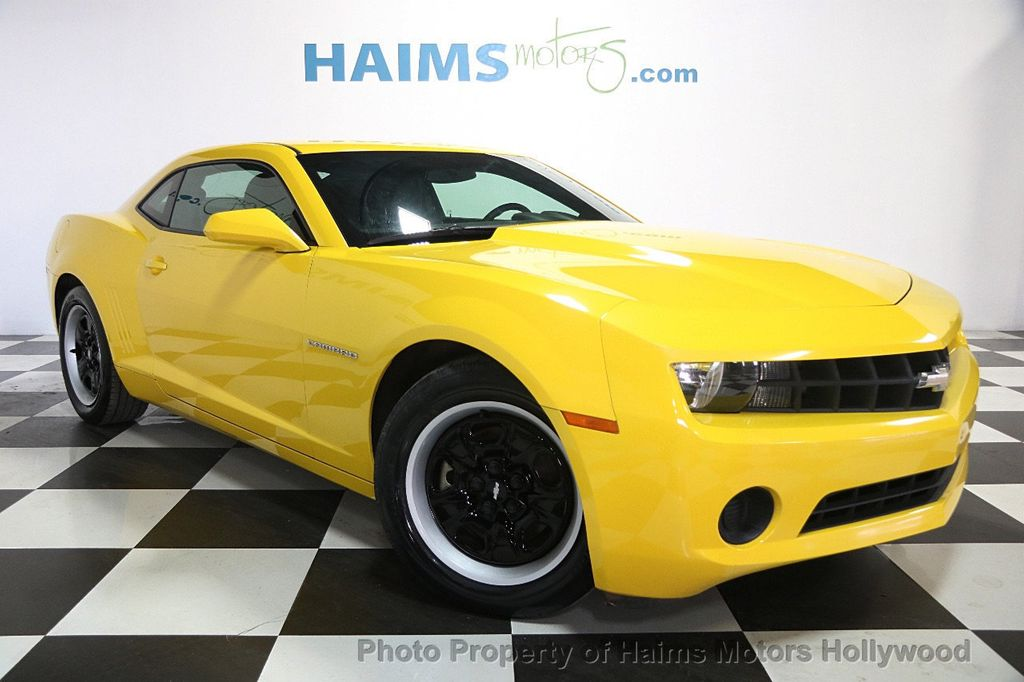 2013 Chevrolet Camaro 2dr Coupe LS w/1LS - 16597822 - 3
