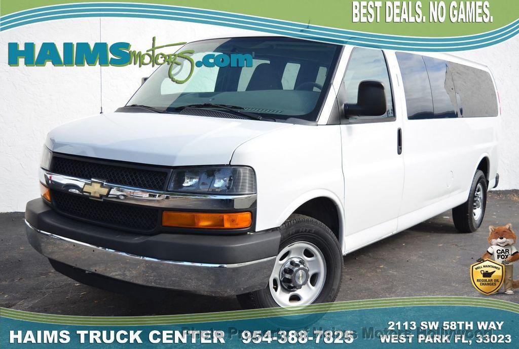 "2013 Chevrolet Express Passenger RWD 3500 155"" LT w/2LT - 18296536 - 0"