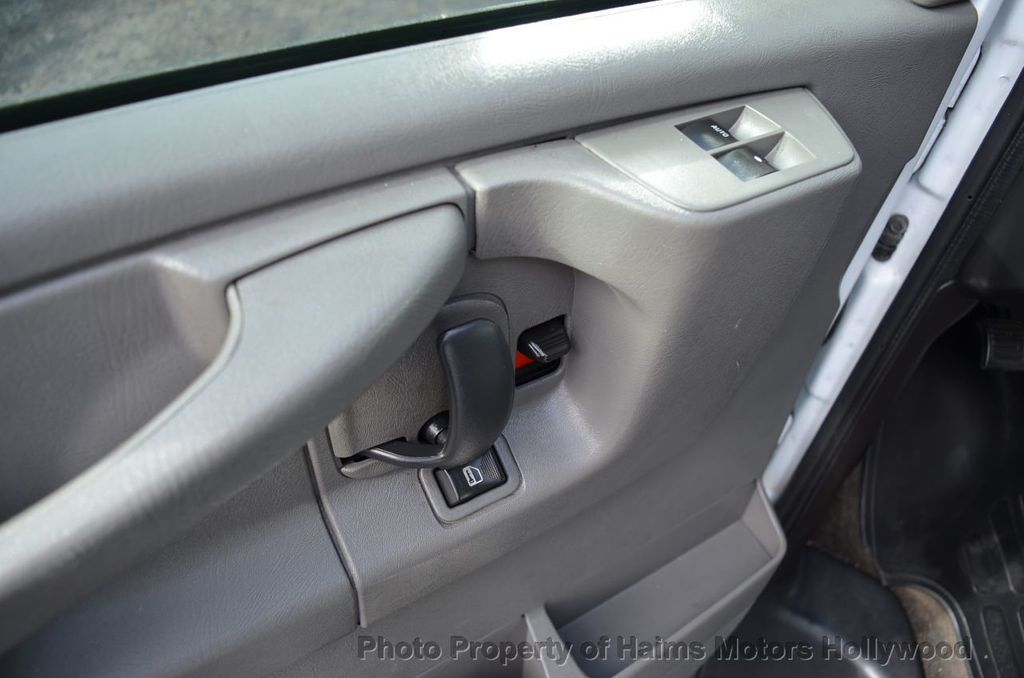 "2013 Chevrolet Express Passenger RWD 3500 155"" LT w/2LT - 18296536 - 23"