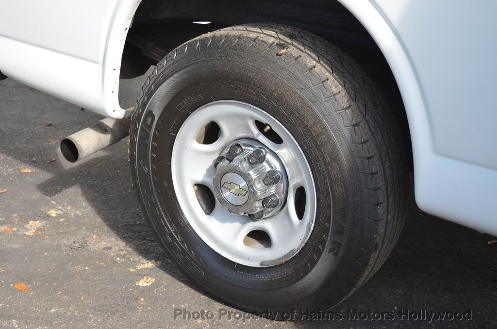 "2013 Chevrolet Express Passenger RWD 3500 155"" LT w/2LT - 18296536 - 29"