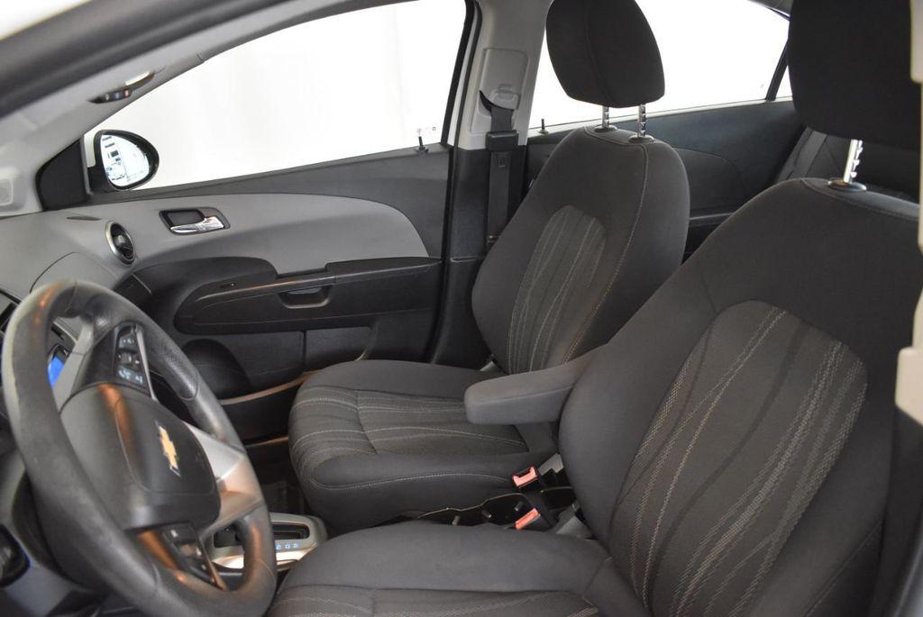 2013 Chevrolet Sonic 4dr Sedan Automatic LT - 18246519 - 14
