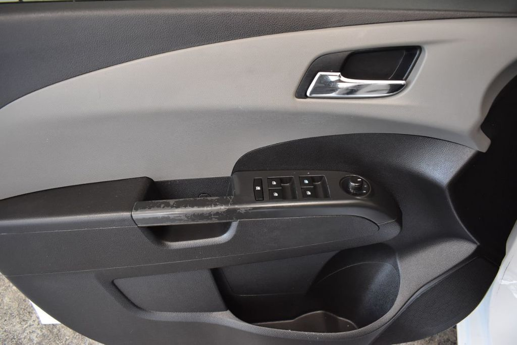 2013 Chevrolet Sonic 4dr Sedan Automatic LT - 18246519 - 15