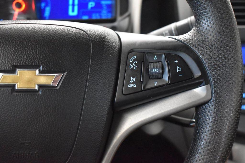 2013 Chevrolet Sonic 4dr Sedan Automatic LT - 18246519 - 17