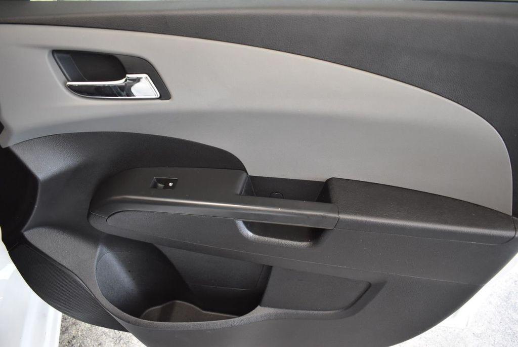 2013 Chevrolet Sonic 4dr Sedan Automatic LT - 18246519 - 24