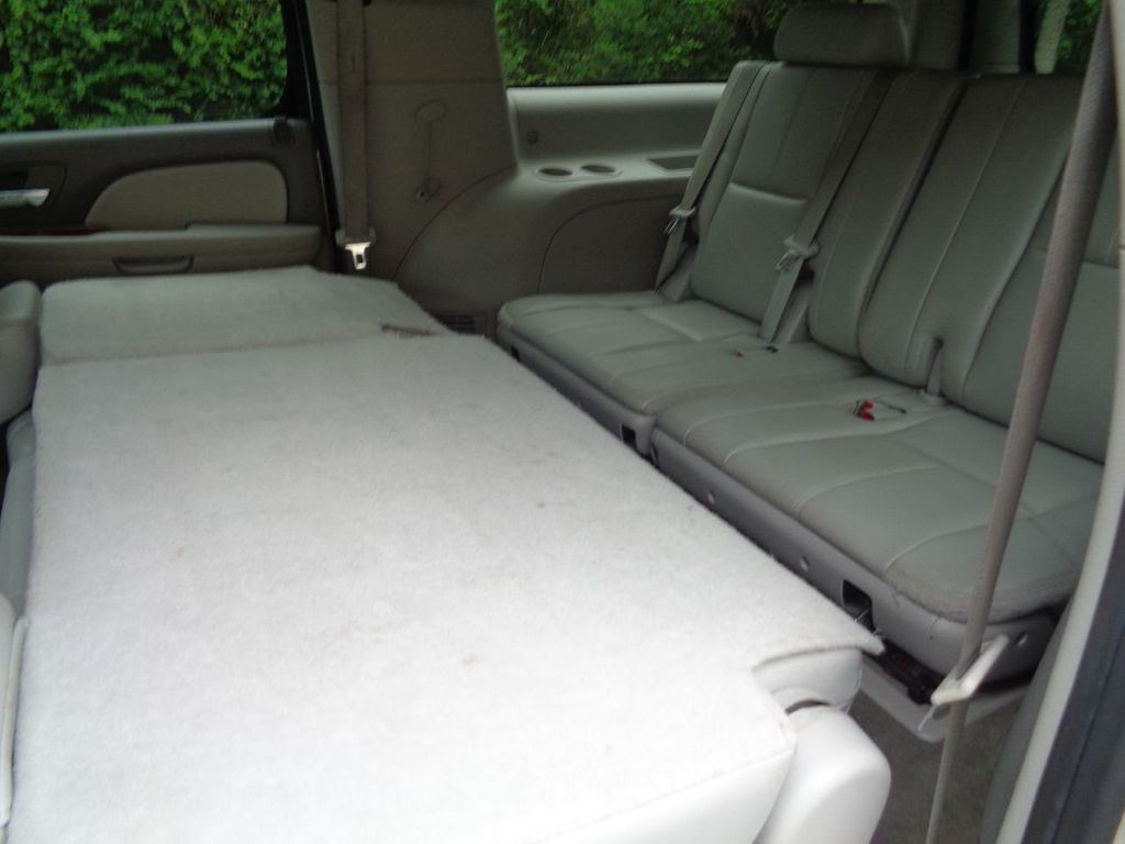 2013 Chevrolet Suburban 2WD 4dr 1500 LT - 17542320 - 12
