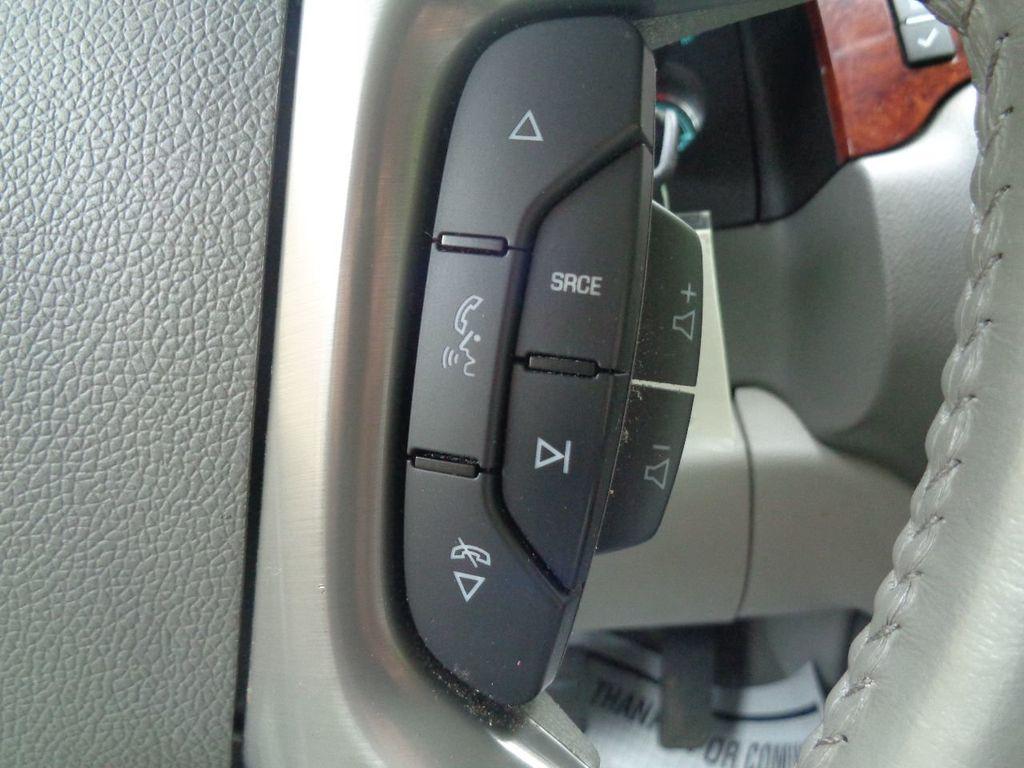 2013 Chevrolet Suburban 2WD 4dr 1500 LT - 17542320 - 17