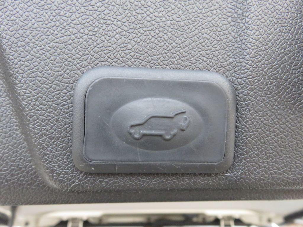 2013 Chevrolet Traverse AWD / LTZ - 20446553 - 50