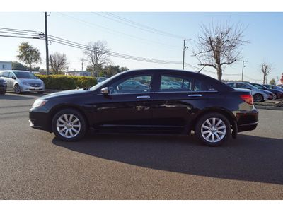2013 Chrysler 200 4dr Sedan Limited - Click to see full-size photo viewer