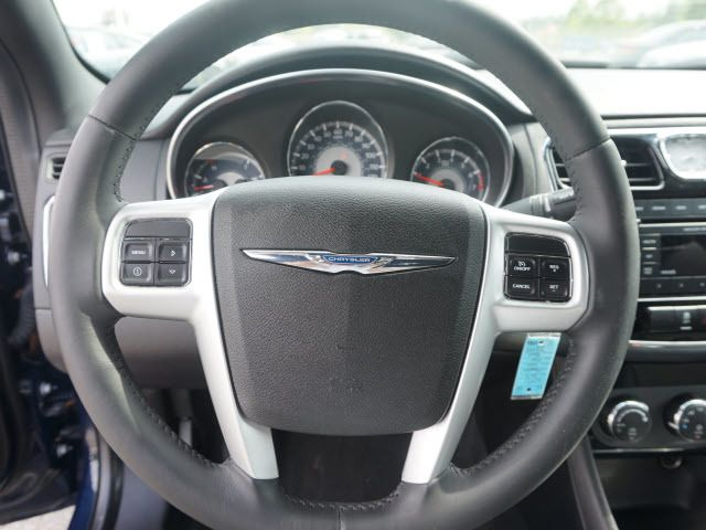 2013 Chrysler 200 4dr Sedan Touring - 13803083 - 15