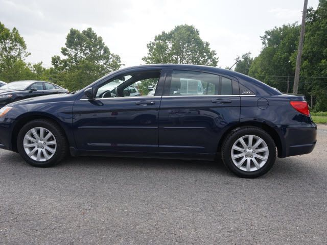 2013 Chrysler 200 4dr Sedan Touring Sedan - 1C3CCBBB7DN714543 - 8