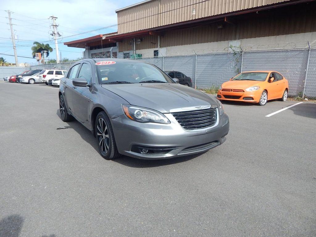 2013 Chrysler 200 Limited - 18918296 - 2