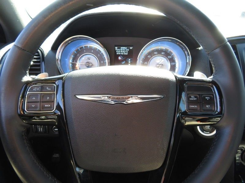2013 Chrysler 300 4dr Sedan 300S RWD - 17311386 - 19