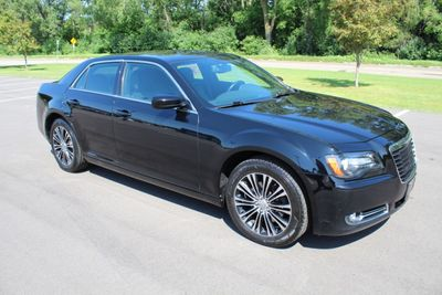 2013 Chrysler 300 AWD 300S Sedan