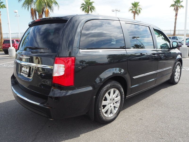 2013 Chrysler Town & Country 4dr Wagon Touring - 17661520 - 12