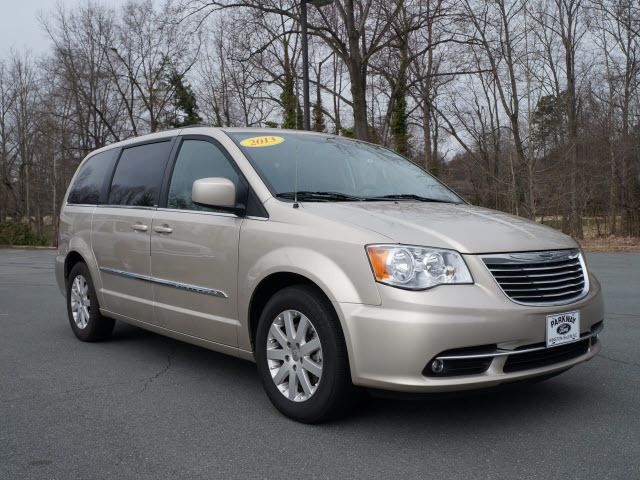 2013 Chrysler Town & Country 4dr Wgn Touring - 11825313 - 0