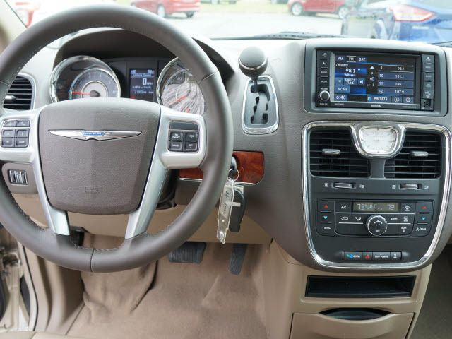 2013 Chrysler Town & Country 4dr Wgn Touring - 11825313 - 7