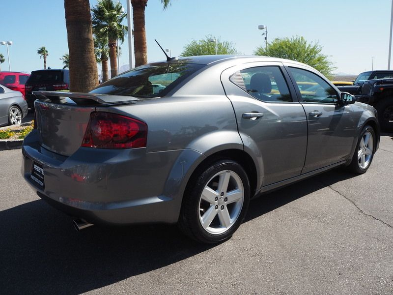 2013 Dodge Avenger 4dr Sedan SE - 17660336 - 10