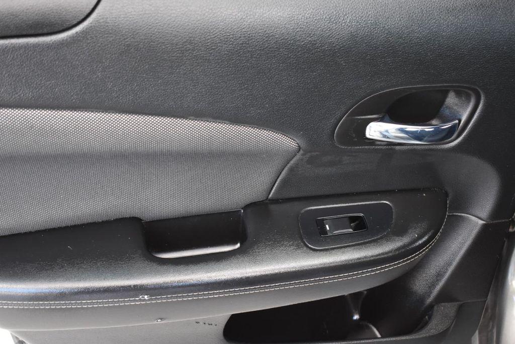 2013 Dodge Avenger 4dr Sedan SE V6 - 18436037 - 11