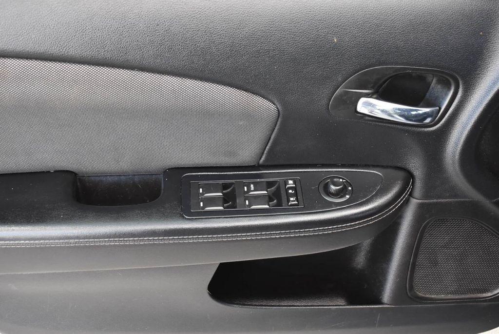 2013 Dodge Avenger 4dr Sedan SE V6 - 18436037 - 12