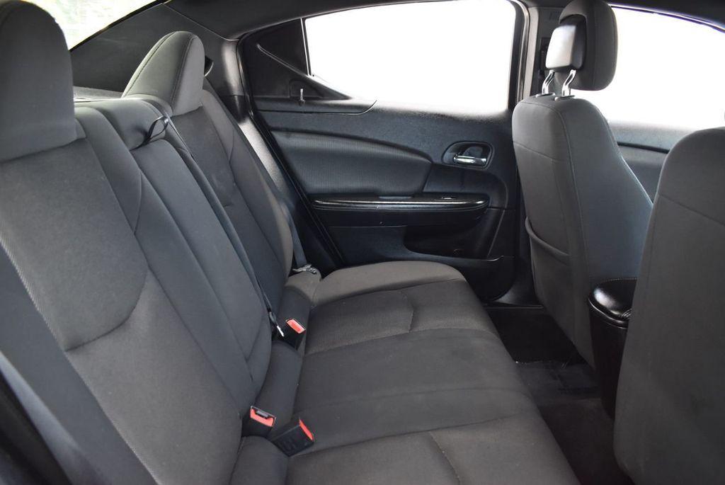 2013 Dodge Avenger 4dr Sedan SE V6 - 18436037 - 19