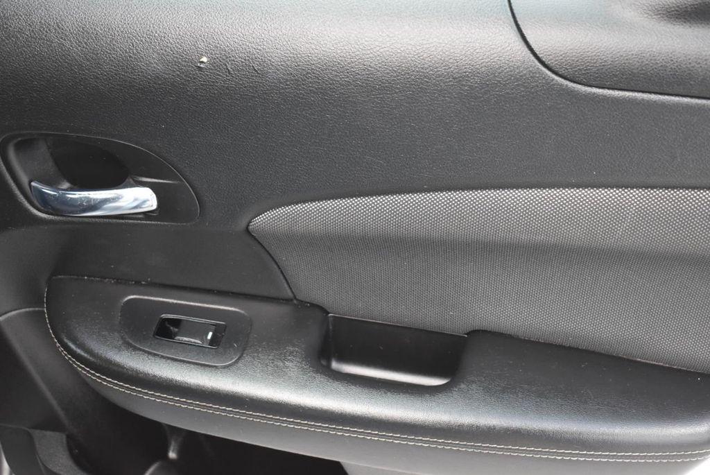 2013 Dodge Avenger 4dr Sedan SE V6 - 18436037 - 20