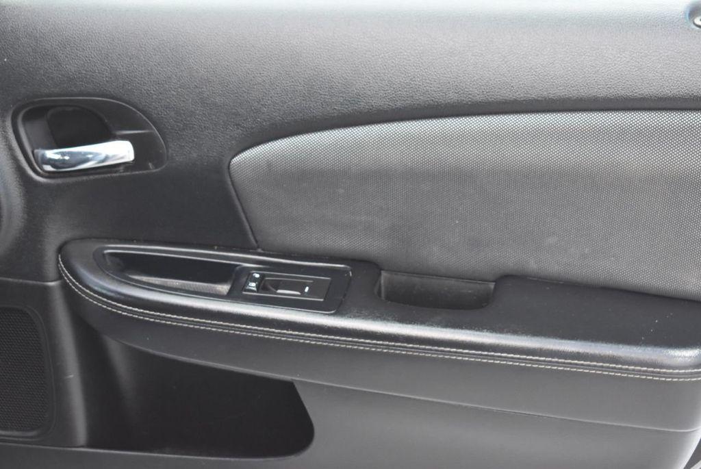 2013 Dodge Avenger 4dr Sedan SE V6 - 18436037 - 21