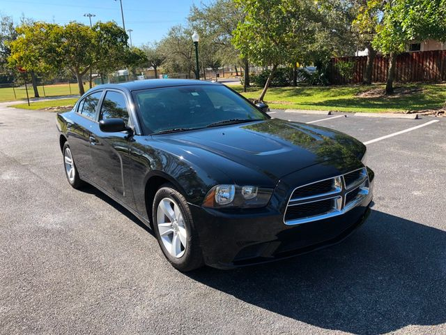 2013 Dodge Charger 4dr Sedan SE RWD - Click to see full-size photo viewer