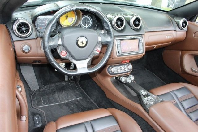 2013 Ferrari California 2dr Convertible - 19261450 - 8