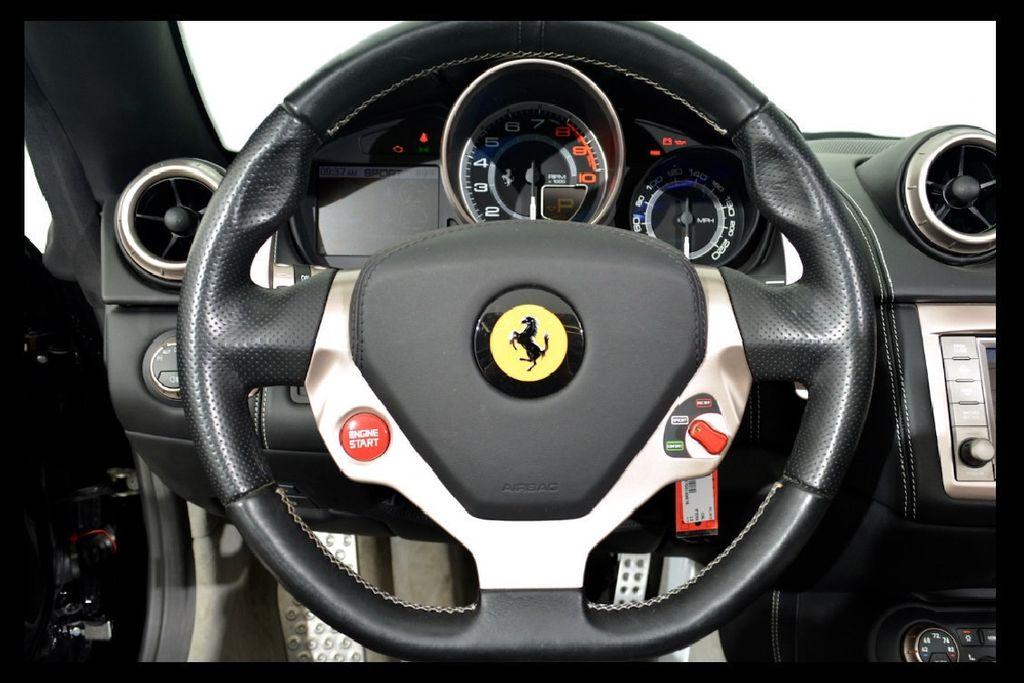 2013 Ferrari California 2dr Convertible - 16104896 - 9