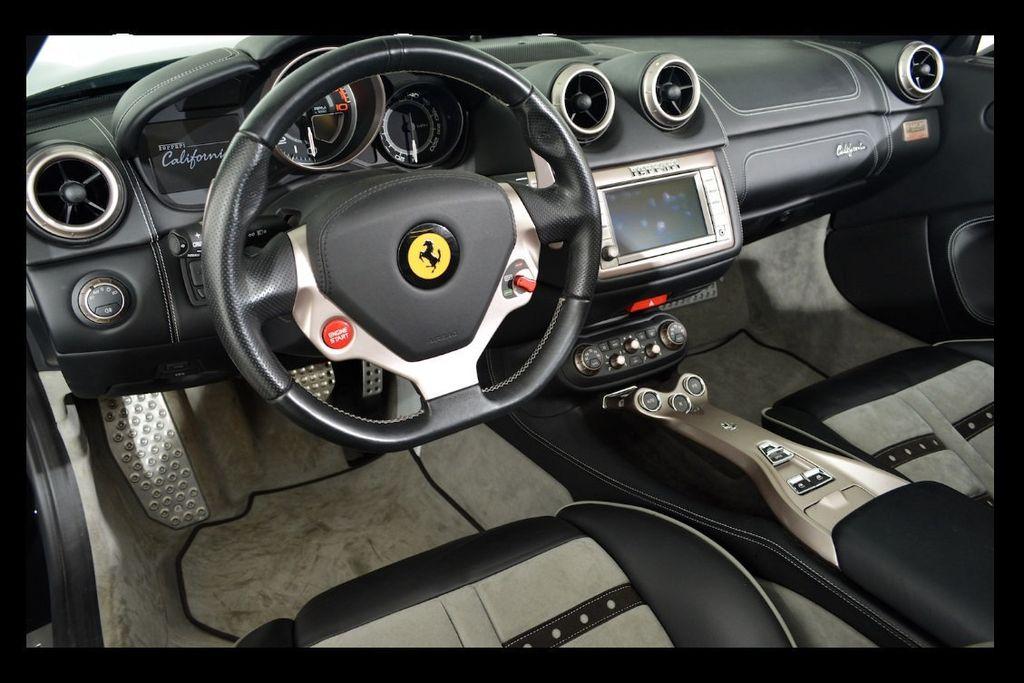 2013 Ferrari California 2dr Convertible - 16104896 - 8