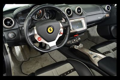 2013 Ferrari California 2dr Convertible - Click to see full-size photo viewer