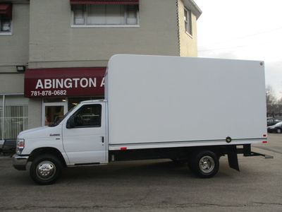 2013 Ford Econoline Commercial Cutaway ECONOLINE  14'FT BOX TRUCK
