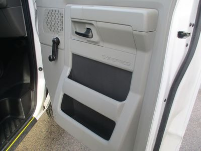 2013 Ford Econoline Commercial Cutaway ECONOLINE  14'FT BOX TRUCK - Click to see full-size photo viewer