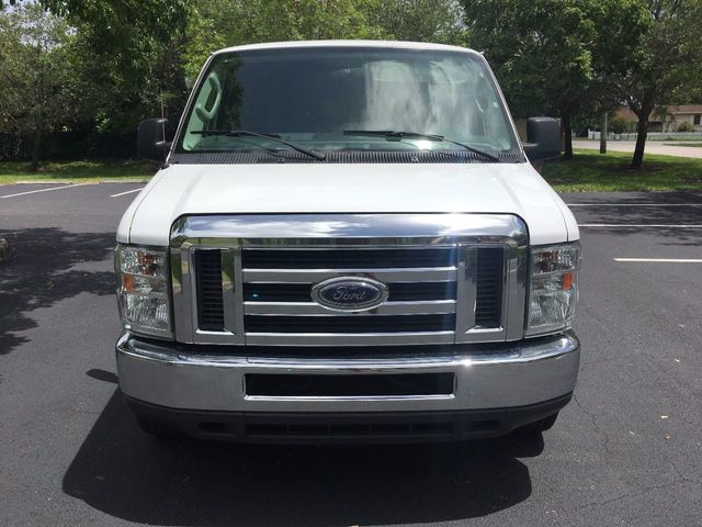 2013 Ford Econoline Wagon E-350 Super Duty Ext XLT - Click to see full-size photo viewer