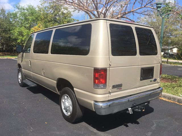 2013 Ford Econoline Wagon E-350 Super Duty XL - Click to see full-size photo viewer