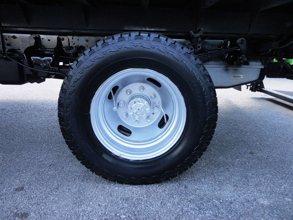 2013 Ford F350 4X4.12FT FLATBED STAKE BED WITH LIFTGATE..STAKE TRUCK. - 18965309 - 12