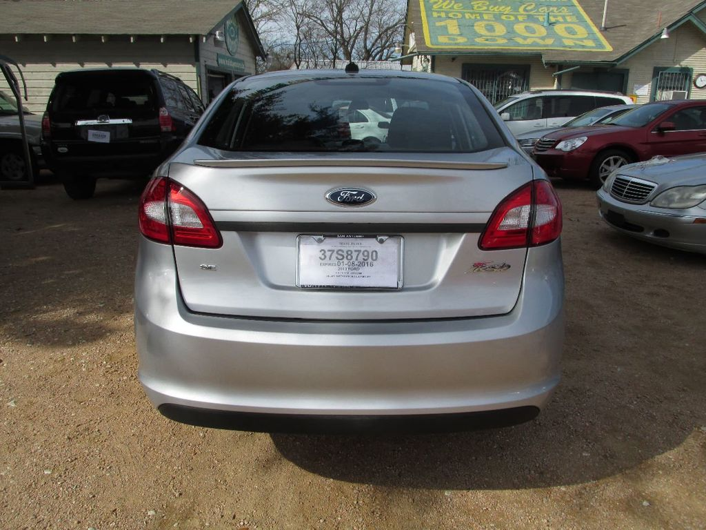 2013 Ford Fiesta 4dr Sedan SE - 14652044 - 4