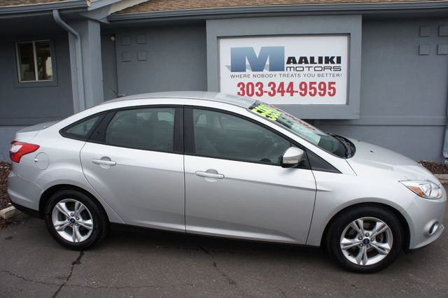 2013 used ford focus 4dr sedan se at maaliki motors serving aurora denver co iid 18253289. Black Bedroom Furniture Sets. Home Design Ideas