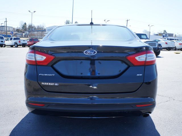 2013 Ford Fusion 4dr Sdn SE FWD - 11825302 - 19