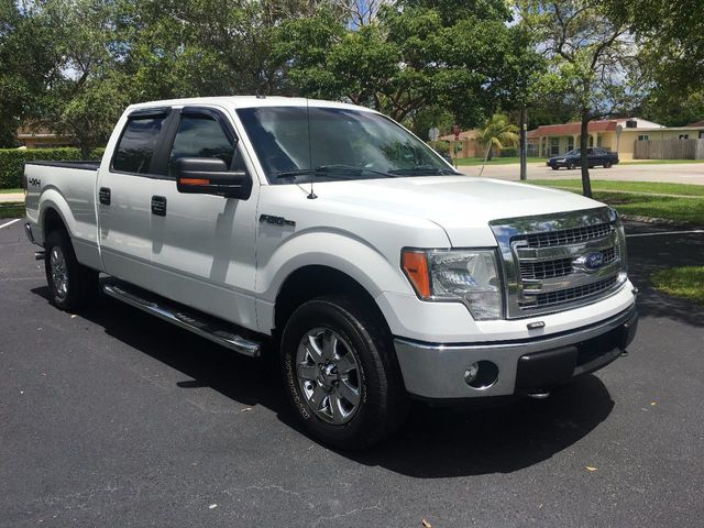 "2013 Ford F-150 4WD SuperCrew 145"" XLT - Click to see full-size photo viewer"