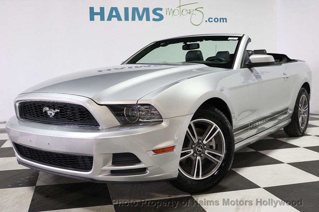 2013 Ford Mustang 2dr Convertible V6 - 17798194 - 1
