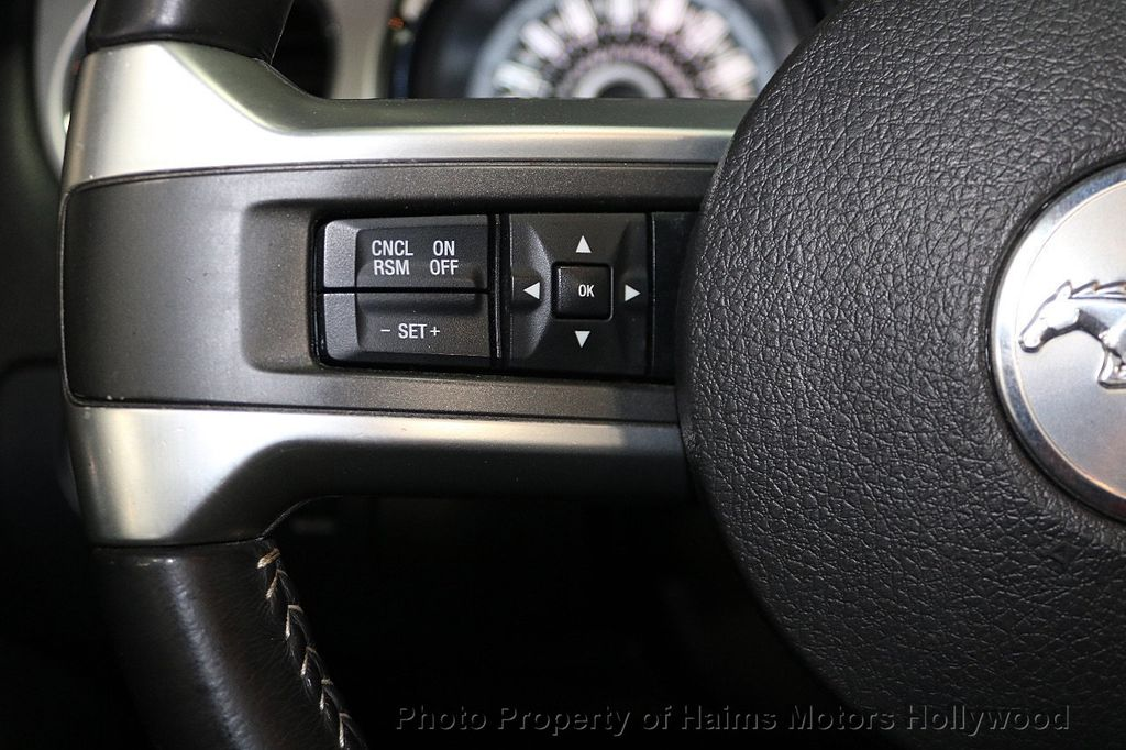 2013 Ford Mustang 2dr Convertible V6 - 17798194 - 21