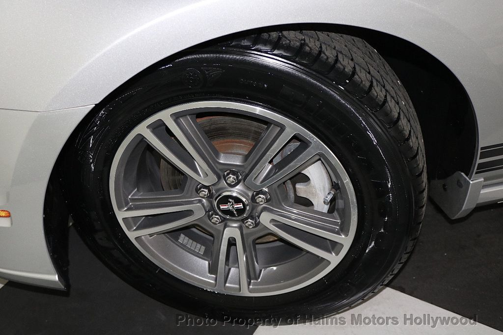 2013 Ford Mustang 2dr Convertible V6 - 17798194 - 26