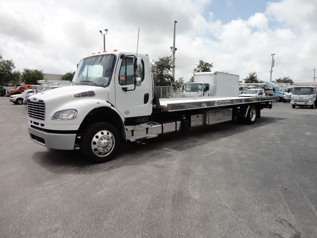 2013 Freightliner BUSINESS CLASS M2 106 CENTURY 3 - CAR CARRIER.. 30FT ALUMINUM DECK. - 17720215 - 0